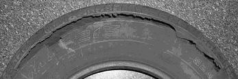 Повреждение боковой стенки покрышки при эксплуатации шины без давления