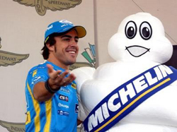 Алонсо и  Renault привели Michelin к победе