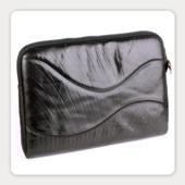 стильная «шинная» сумка для ноутбука от Tread