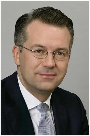 Алан Хиппе (Alan Hippe) - президент и исполнительный директор Continental Северная Америка